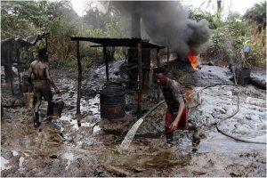 People Doing own Oil Refining in Nigeria (Photo Source - nationaldailyng.com)