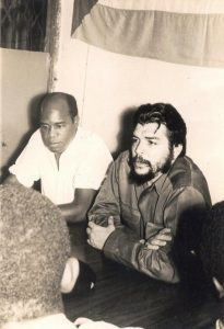 Guevara and Eduardo Mondlane in Tanzania - 1965 - Photo Source: wavuti.com